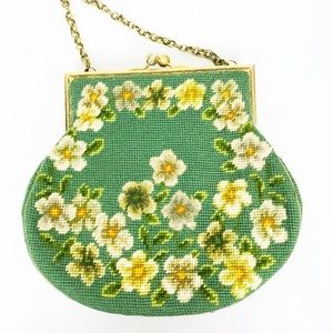 Handbags - Vintage Woven Floral Chain Purse